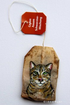 Teabag Totem Series - Brown-striped cat
