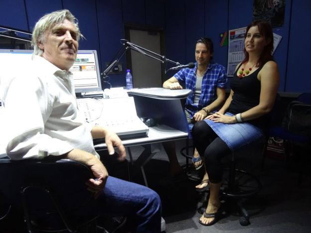 Ralf Boll, Steffen Holzkamp und Imke Rust im Studio 5 der NBC, Deutscher Hörfunk Namibia. (13 Januar 2016)